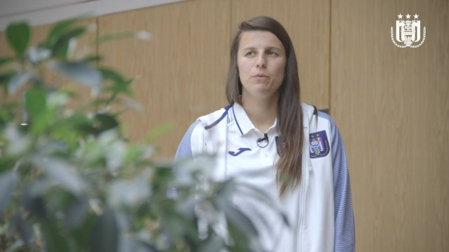 Embedded thumbnail for Behind the scenes: UEFA Women's Champions League @ RSCA